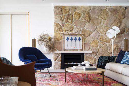 朴实自然混搭风格客厅装修实景图