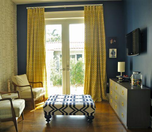 黄蓝色混搭风格休闲小客厅装修实景图