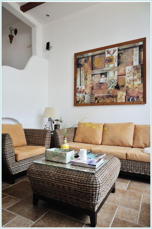 混搭风格三居室客厅楼梯装修效果图欣赏