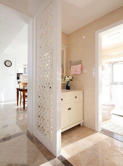 美式风格混搭卫生间隔断洗手台装修效果图