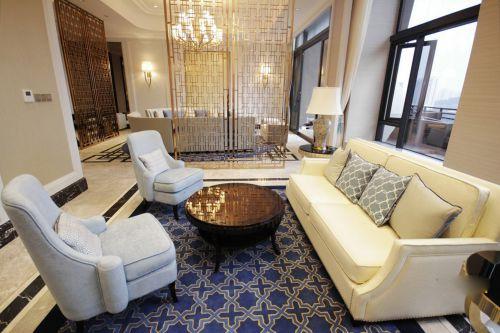 布艺沙发镂空隔断慵懒美式客厅装修效果图