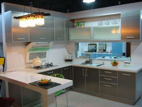 银色现代简约大户型厨房效果图