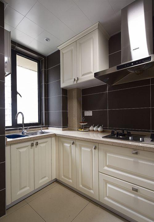 经典黑白色现代风格厨房橱柜装修设计