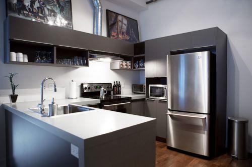 90平时尚现代风格敞开式厨房装修图