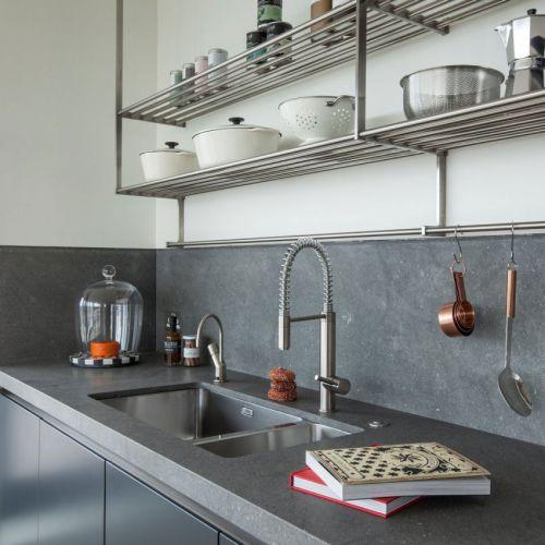 现代风格小户型时尚厨房收纳设计效果图
