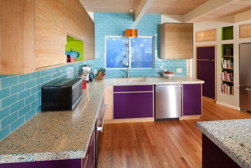 三居室现代简约风格厨房紫色橱柜装修效果图