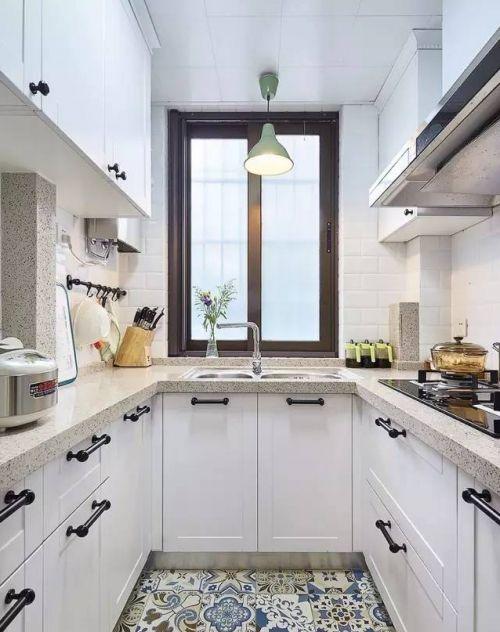 现代简约一居室厨房灯具装修效果图