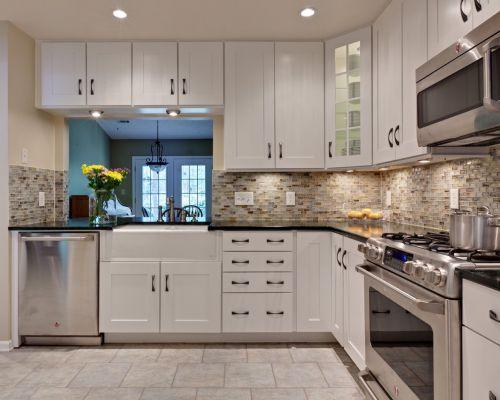 简欧风格L型白色厨房装修效果图
