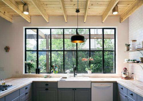 清新简欧风格厨房木质吊顶装修实景图