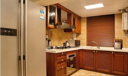 中式风格二居室厨房橱柜装修效果图