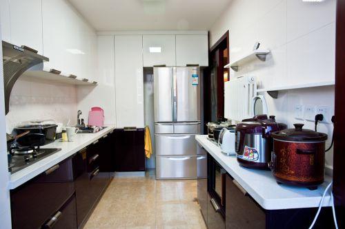 中式风格三居室厨房吊顶装修效果图欣赏