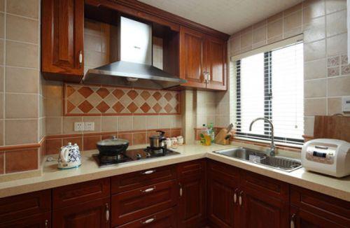 田园风格三居室厨房橱柜装修效果图