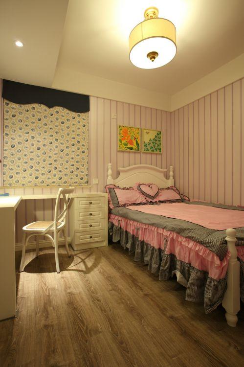 温馨粉色卧室床铺现代风格装修设计