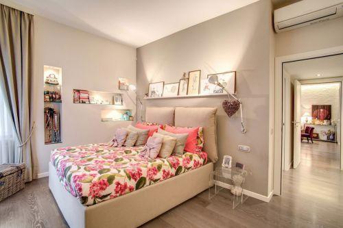 温馨卧室卧床现代风格装修设计