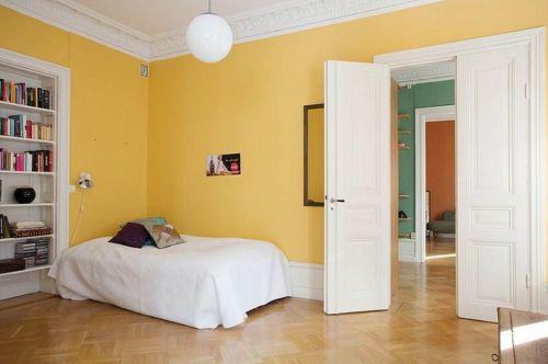 黄色现代简约次卧室小床装修效果图