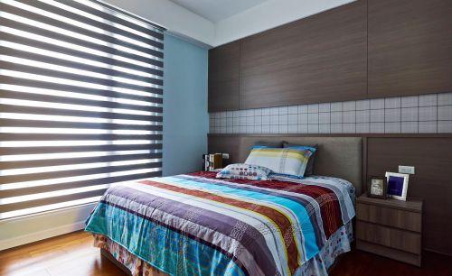 温润现代风格卧室原木背景墙实景图