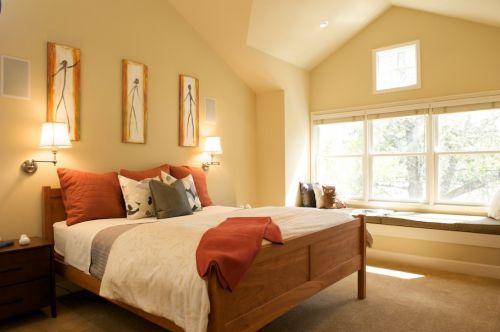 黄色复式现代简约卧室大床装修效果图