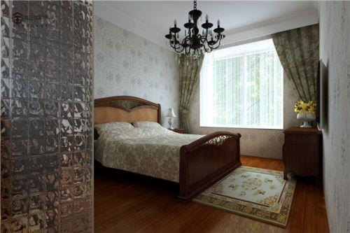 中式古典四居室卧室背景墙装修效果图
