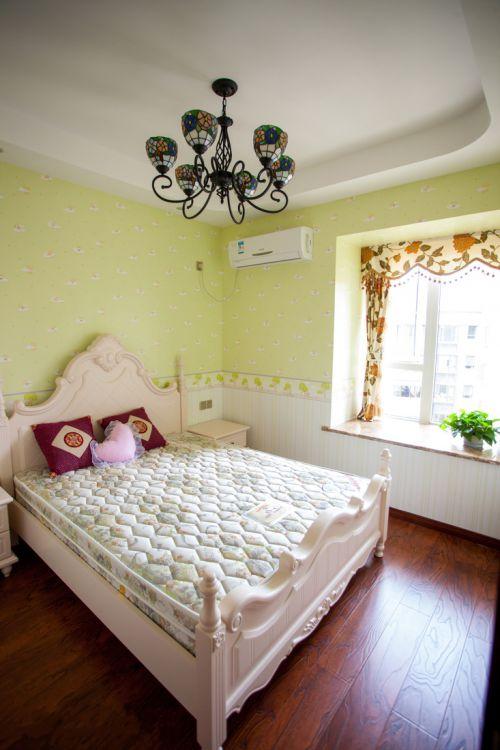 浪漫欧式风格三居室卧室效果图欣赏