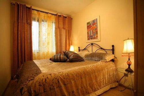 欧式简约三居室卧室装修图片欣赏