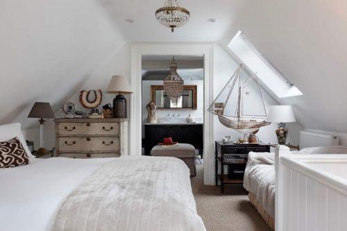 欧式风格华丽奔放卧室灯具图片欣赏