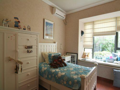 田园风格三居室卧室窗帘装修效果图欣赏
