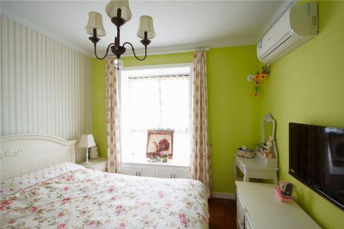 田园风格三居室卧室飘窗装修效果图欣赏