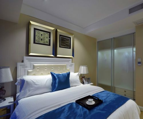 地中海风格二居室卧室床装修效果图大全