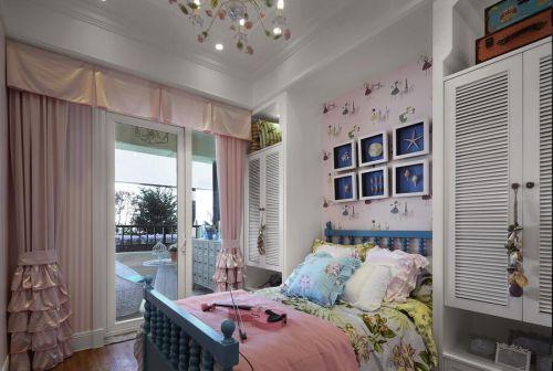 地中海风格二居室卧室照片墙装修效果图