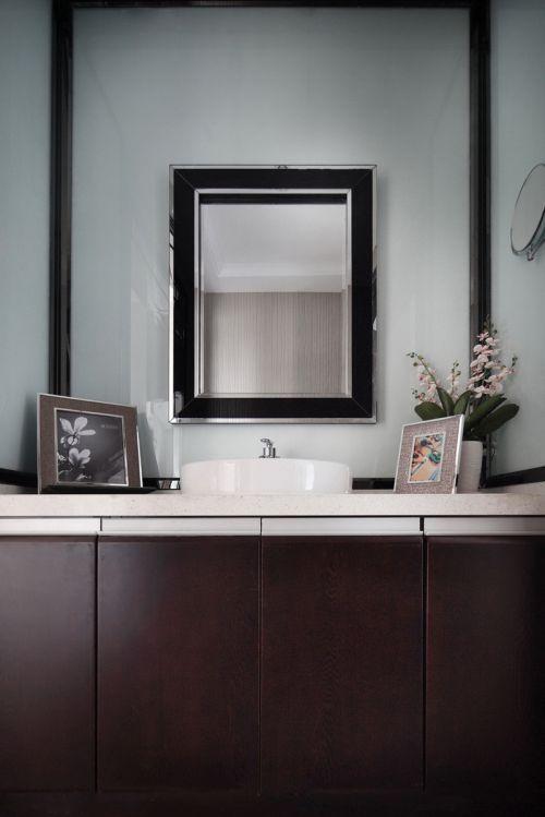 现代简约六居室卫生间灯具装修效果图大全