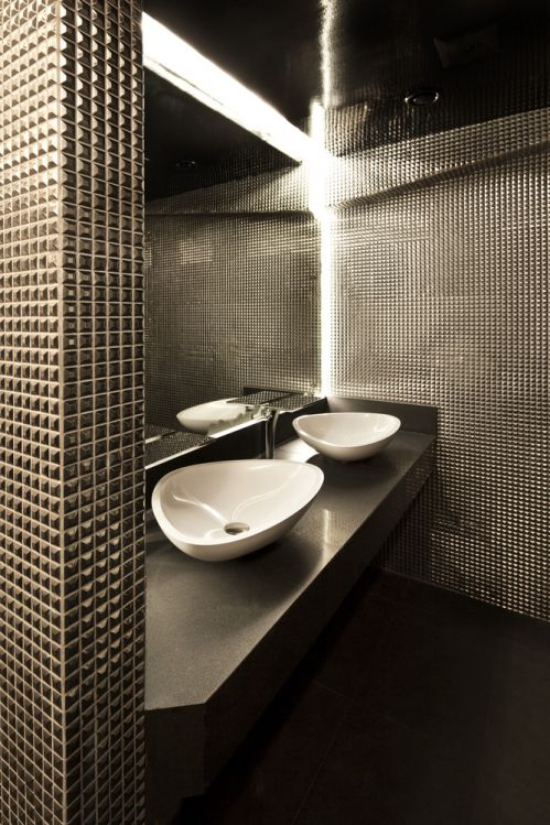现代风灰色卫生间装修效果图