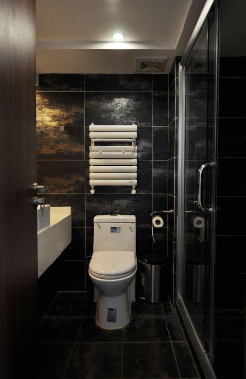 现代简约二居室卫生间背景墙装修效果图