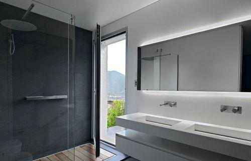 现代风别墅卫生间白色洗手台设计效果图