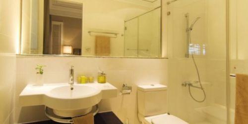 现代简约二居室卫生间背景墙装修效果图大全