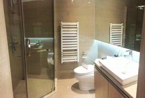 现代简约一居室卫生间灯具装修图片