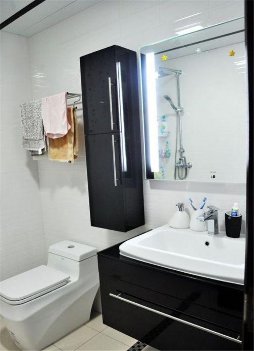 现代简约二居室卫生间浴室柜装修效果图大全