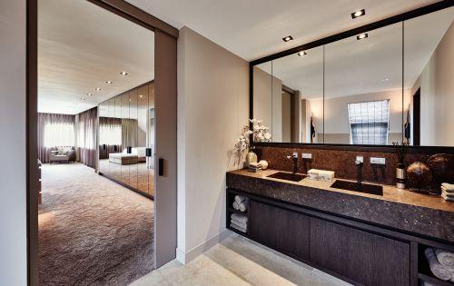 精致优雅现代风格卫生间装修实景图