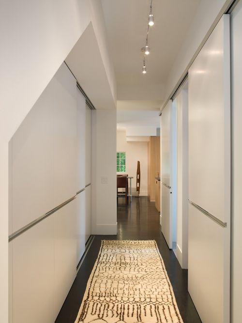 现代简约风格玄关白色隐形门装修效果图