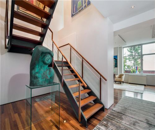 现代简约四居室玄关楼梯装修效果图大全