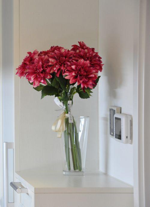 现代简约一居室玄关储物柜装修效果图欣赏