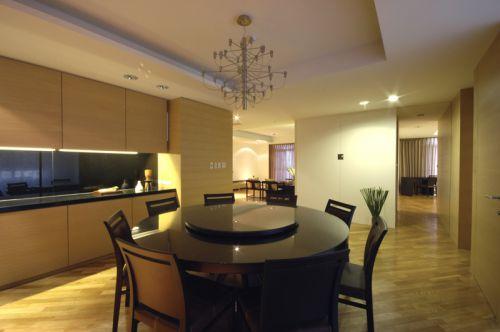 黑色现代风格餐厅餐桌装修设计
