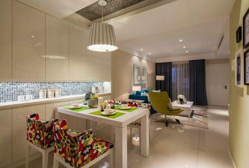 现代简约一居室餐厅吊顶装修图片