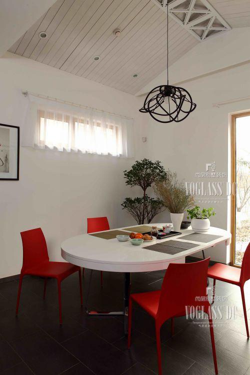 现代简约四居室餐厅窗帘装修图片