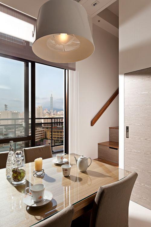 现代风格纯朴餐厅灯具装修实景图