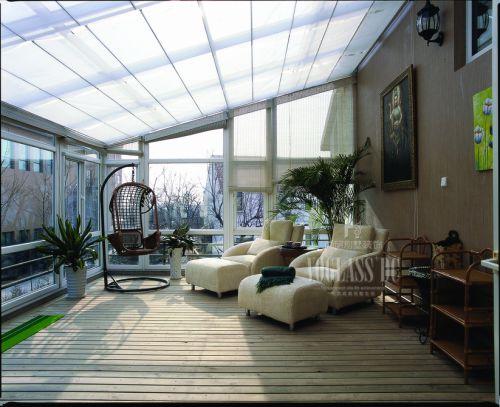 现代简约一居室阳台装修图片