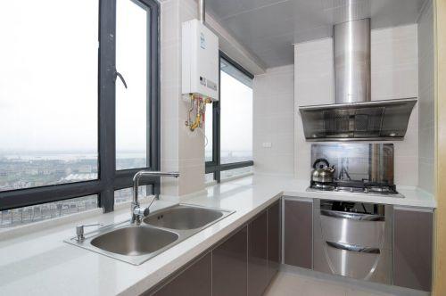 现代简约四居室阳台装修效果图欣赏
