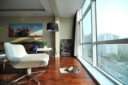 現代簡約三居室陽臺飄窗裝修圖片