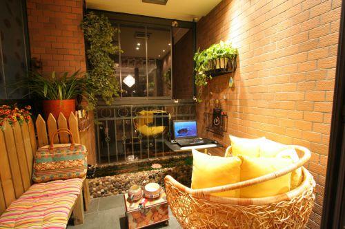 现代简约三居室阳台灯具装修效果图