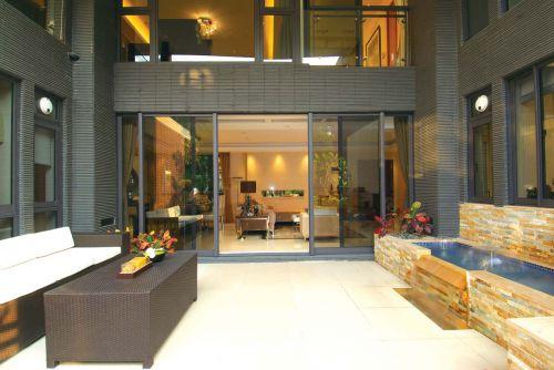 现代简约五居室阳台窗帘装修效果图欣赏