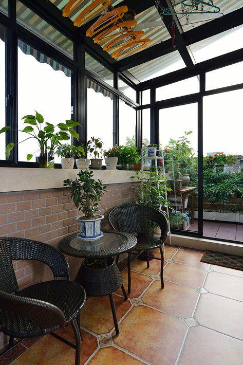 现代风格别墅阳台装修效果图